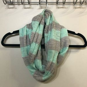 American Eagle || Striped Infinity Scarf
